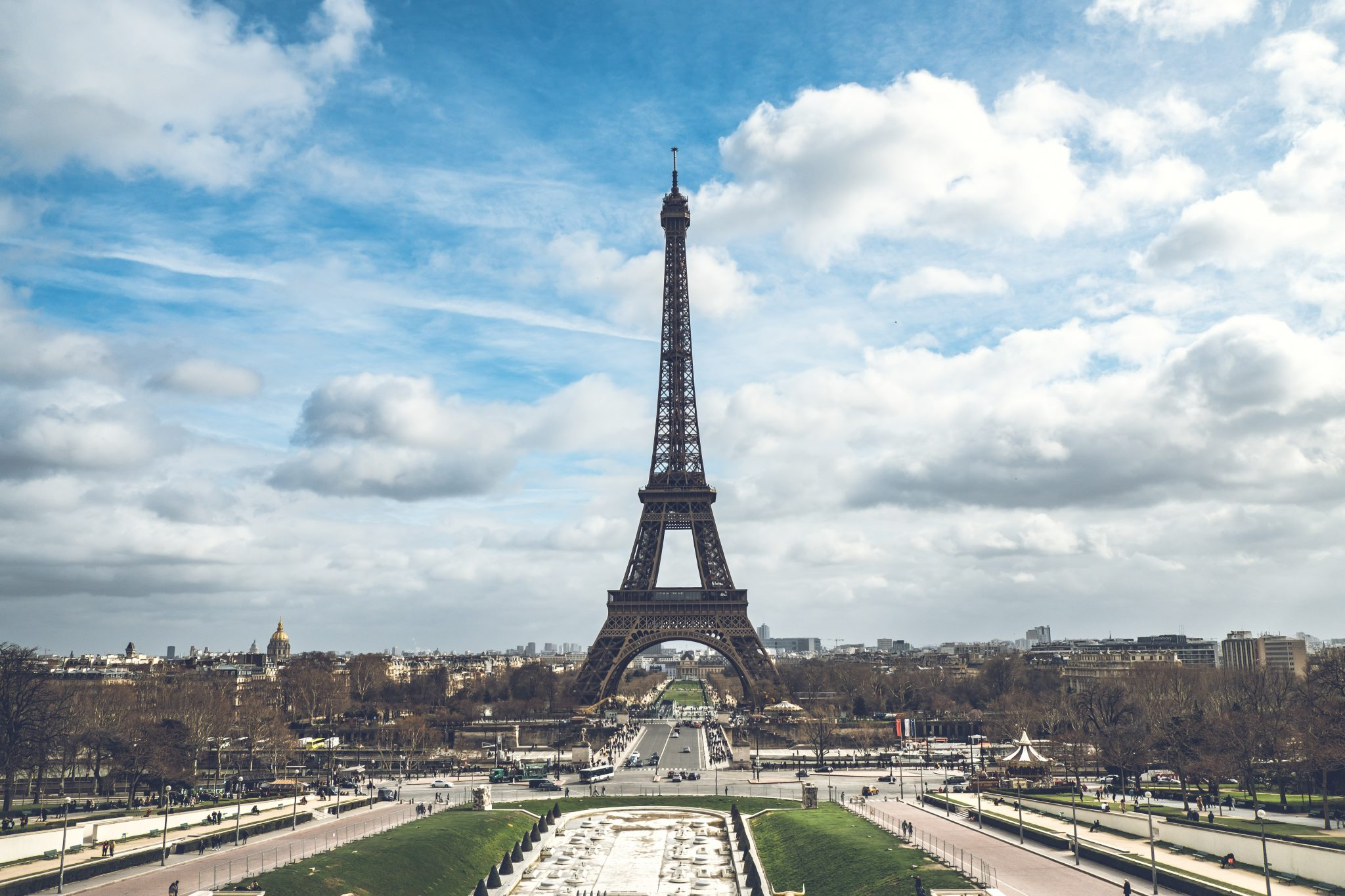Panoramic view of the eiffel tower shot from the trocadero photo by Jo Kassis