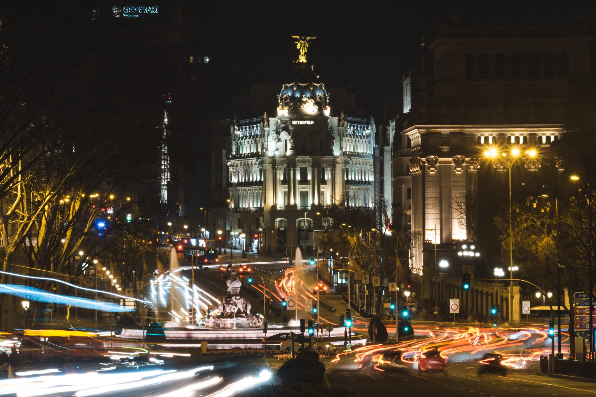 Madrid Metropolis at night long exposure shot photo by Jo Kassis