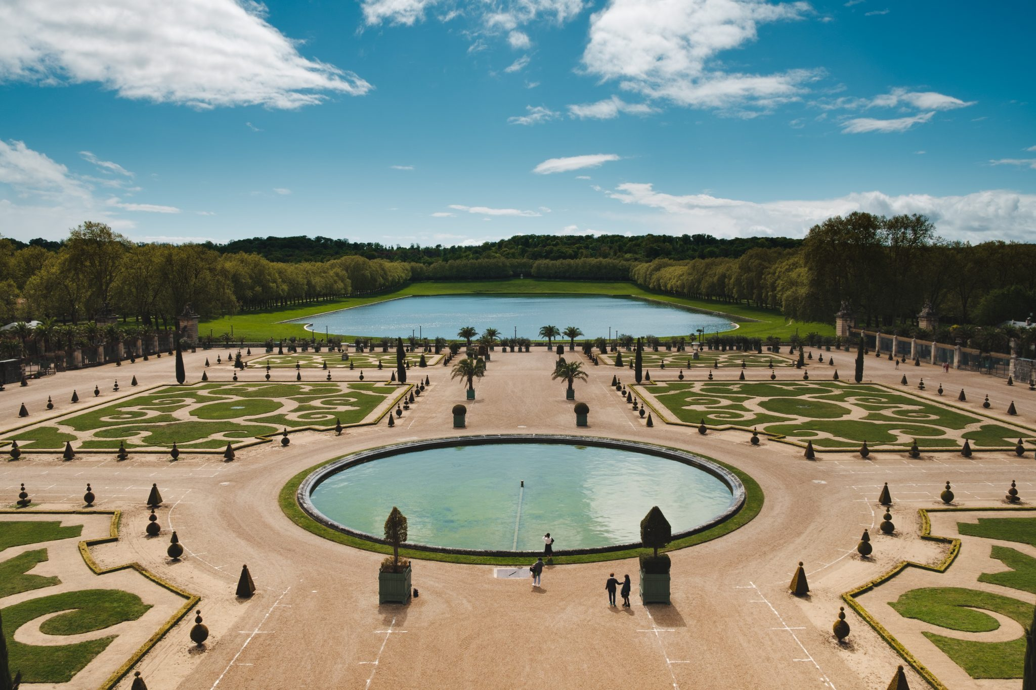Garden of the chateau de versailles photo by Jo Kassis