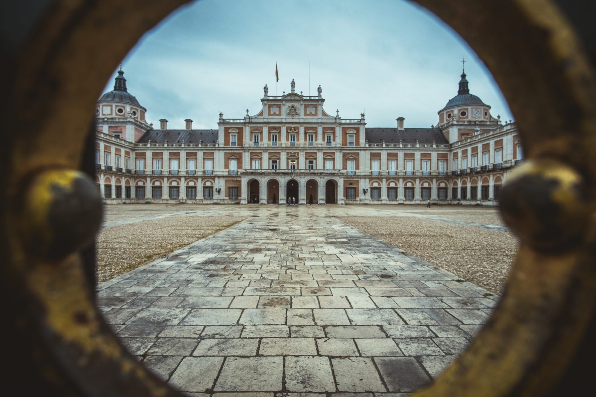 Facade of the Royal Palace of Aranjuez shot through the door shot by Jo Kassis