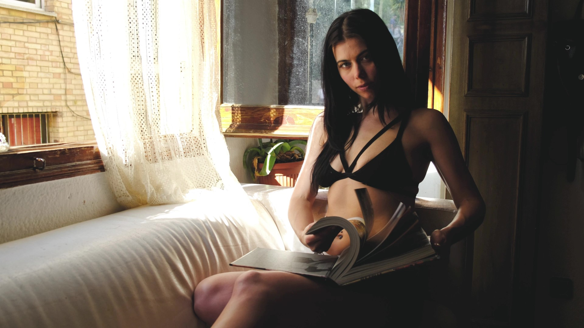 Sexy women in her underwear reading a book by the window Lemonbahaya cinemagraph by Kassisien